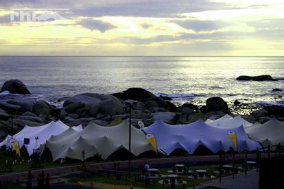 stretch tent sizes