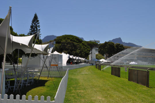 PICNIC AT THE RACES 7.5X10.5 STRETCH TENTS WHITE