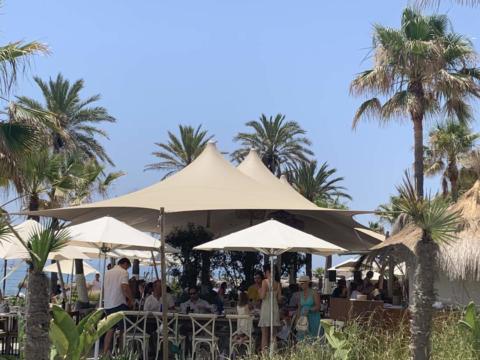 custom-stretch-tent-beach-bar